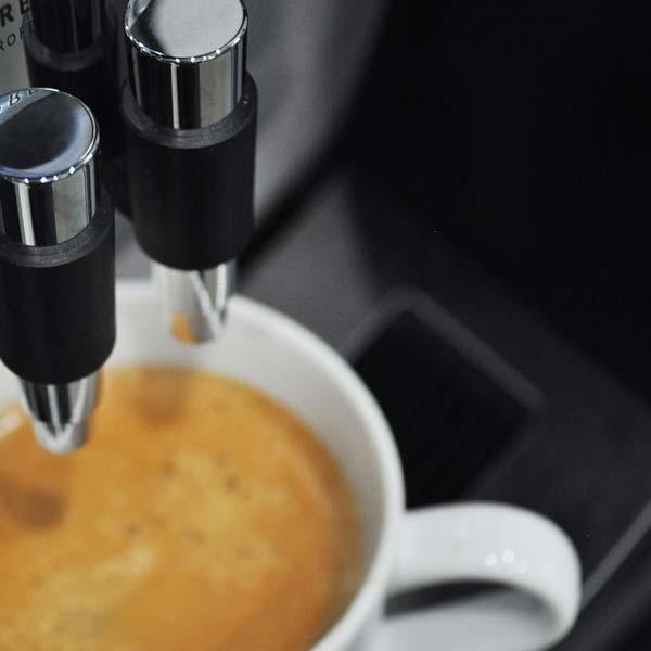 Coffee machine and complimentary coffee